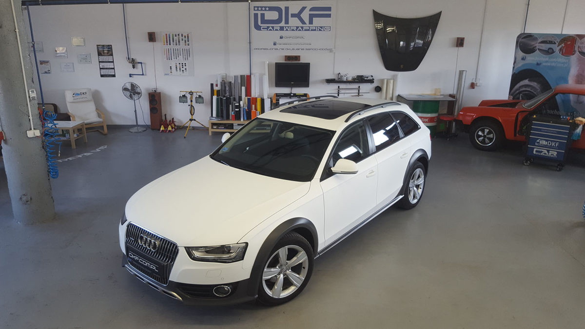 Audi A4 Zmiana Koloru – Matte White