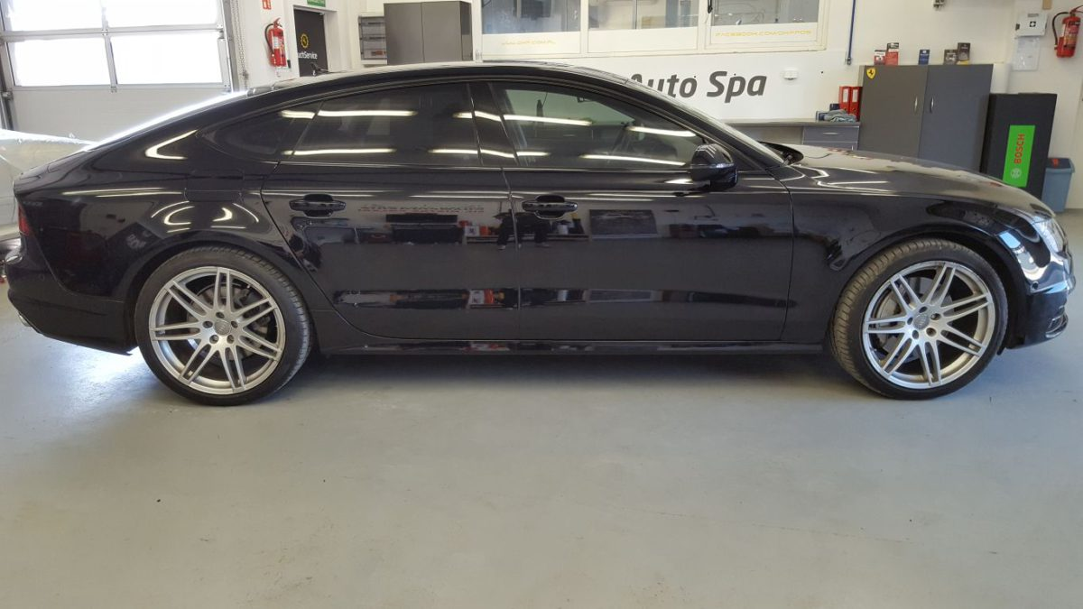 Audi A7 Oklejenie Pakietu Chrom – Czarny Połysk